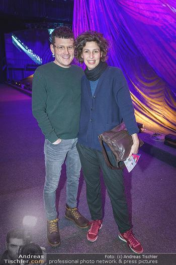 Holiday on Ice Premiere - Wiener Stadthalle - Mi 29.01.2020 - Manuel RUBEY mit Freundin Stefanie NOLZ11