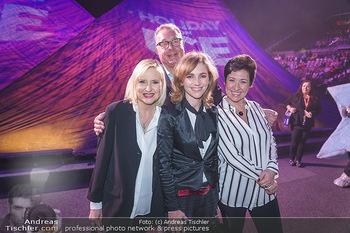 Holiday on Ice Premiere - Wiener Stadthalle - Mi 29.01.2020 - Andrea HÄNDLER, Elisabeth ENGSTLER, Carola LINDENBAUER, Wolfgan26
