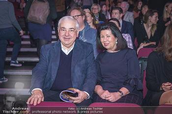 Holiday on Ice Premiere - Wiener Stadthalle - Mi 29.01.2020 - Walter ROTHENSTEINER mit Ehefrau Charlotte35