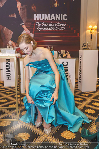 Opernball Couture Salon - Hotel Bristol, Wien - Mo 10.02.2020 - Madison YOUNG58