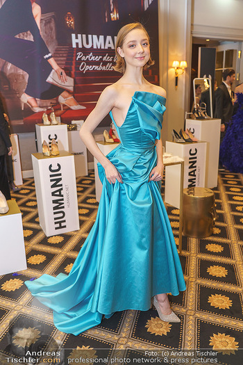 Opernball Couture Salon - Hotel Bristol, Wien - Mo 10.02.2020 - Madison YOUNG61