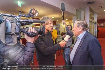PK: Nicht-Verkündung des Stargasts - Lugner City, Wien - Do 13.02.2020 - Dominic HEINZL interviewt Richard LUGNER3