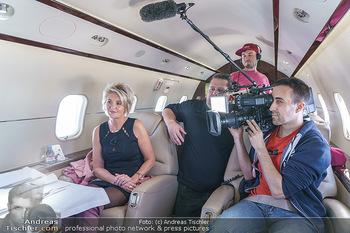 Abholung Ornella Muti - Wien - Genua - Di 18.02.2020 - ´Zebra´ Karin KARRER, ATV Fernseh TV Team im Flugzeug8