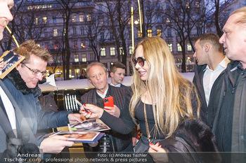 Abholung Ornella Muti - Wien - Genua - Di 18.02.2020 - Ornella MUTI gibt Autogramme41