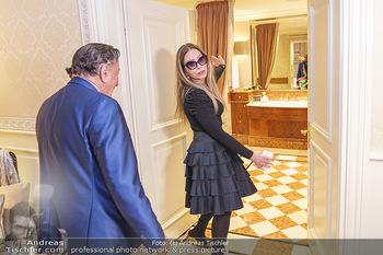 Abholung Ornella Muti - Wien - Genua - Di 18.02.2020 - Ornella MUTI zeigt Richard LUGNER ihre Suite50
