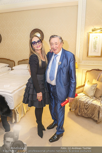 Abholung Ornella Muti - Wien - Genua - Di 18.02.2020 - Ornella MUTI zeigt Richard LUGNER ihre Suite51