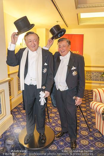 Lugner Fototermin und Abendessen - Grand Hotel, Wien - Do 20.02.2020 - Richard LUGNER mit seiner Wachsfigur4