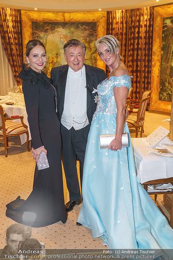 Lugner Fototermin und Abendessen - Grand Hotel, Wien - Do 20.02.2020 - Ornella MUTI, Richard LUGNER mit Zebra Karin10