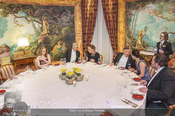 Lugner Fototermin und Abendessen - Grand Hotel, Wien - Do 20.02.2020 - Abendessen am runden Tisch - Richard LUGNER, Ornella MUTI18