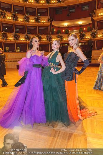 Opernball 2020 - Wiener Staatsoper - Do 20.02.2020 - Nikisha FOGO, Olga ESINA, Natascha MAIR28
