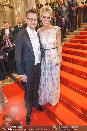 Opernball 2020 - Wiener Staatsoper - Do 20.02.2020 - Alexandra MEISSNITZER mit Begleitung85