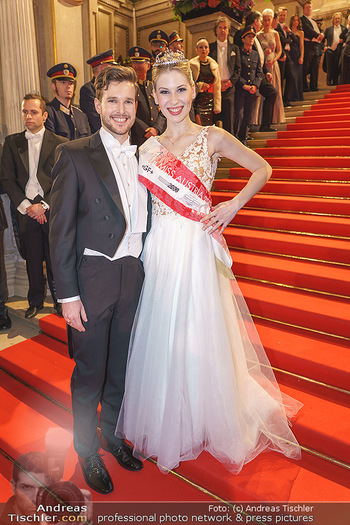 Opernball 2020 - Wiener Staatsoper - Do 20.02.2020 - Larissa ROBITSCHKO mit Freund95