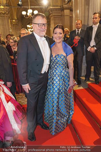 Opernball 2020 - Wiener Staatsoper - Do 20.02.2020 - Stefan RUZOWITZKY mit Ehefrau Birgit104