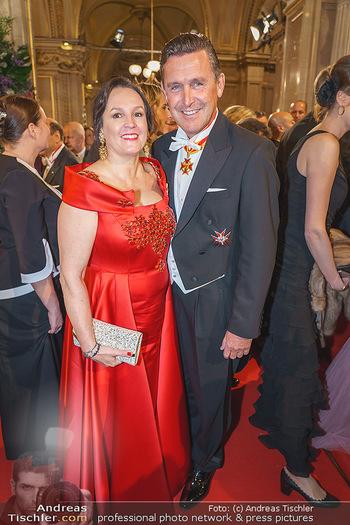 Opernball 2020 - Wiener Staatsoper - Do 20.02.2020 - Peter HANKE mit Ehefrau127