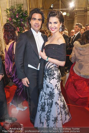 Opernball 2020 - Wiener Staatsoper - Do 20.02.2020 - Leona KÖNIG mit Freund Federico PASTORELLO142
