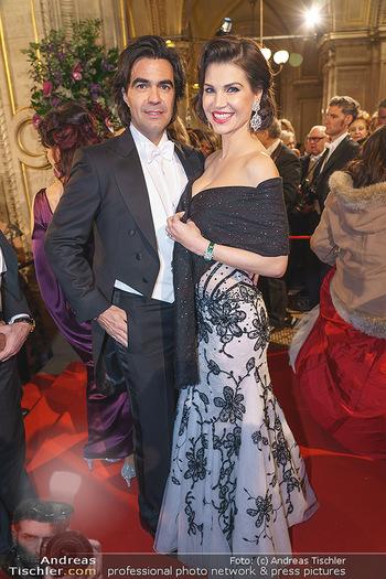 Opernball 2020 - Wiener Staatsoper - Do 20.02.2020 - Leona KÖNIG mit Freund Federico PASTORELLO143