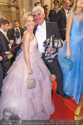 Opernball 2020 - Wiener Staatsoper - Do 20.02.2020 - Alexandra SWAROVSKI mit Ehemann Michael HEINRITZI158