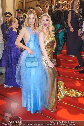 Opernball 2020 - Wiener Staatsoper - Do 20.02.2020 - Silvia SCHNEIDER, Nadine LEOPOLD160