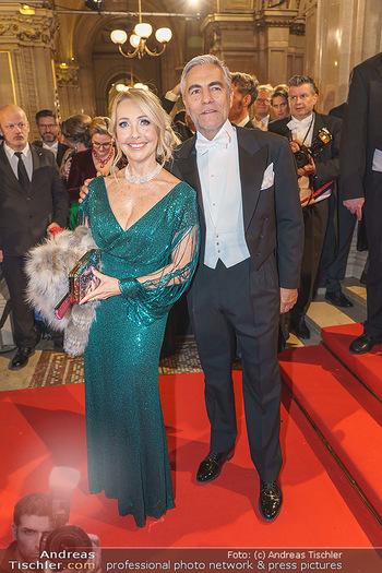 Opernball 2020 - Wiener Staatsoper - Do 20.02.2020 - Uschi PÖTTLER-FELLNER mit Ehemann Christian PÖTTLER170