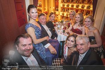 Opernball 2020 - Wiener Staatsoper - Do 20.02.2020 - Logenfoto Gruppenfoto Richard und Tochter Jacqueline LUGNER, Orn190