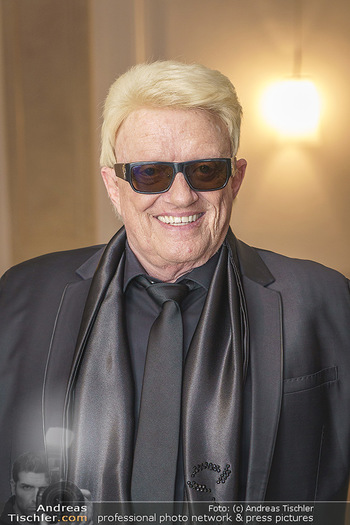 Dreamland Benefizgala zugunsten Unicef - Odeon Theater - Di 25.02.2020 - HEINO (Portrait)46