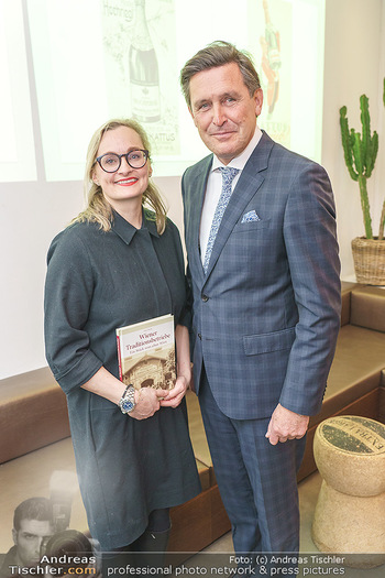 Buchpräsentation ´Wiener Traditionsunternehmen´ - Kattus Sektkellerei, Wien - Mi 26.02.2020 - Freya MARTIN, Peter HANKE7