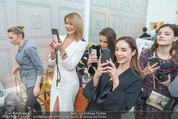 Salon Opening - Real Beauty Vienna - Mi 04.03.2020 - Sissy und Tatjana KREUZMAYR, Nadine MIRADA96