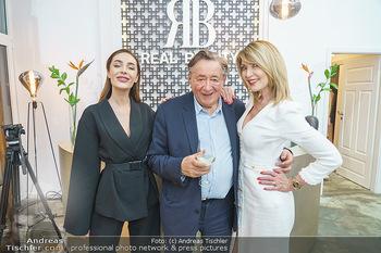 Salon Opening - Real Beauty Vienna - Mi 04.03.2020 - Richard LUGNER, Sissy Elisabeth KREUZMAYR mit Tochter Tatjana97
