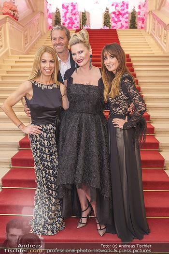 Dancer against Cancer Ball - Hofburg Wien - Fr 06.03.2020 - Natasha HENSTRIGDE, Manfred und Nelly BAUMANN, Yvonne RUEFF43
