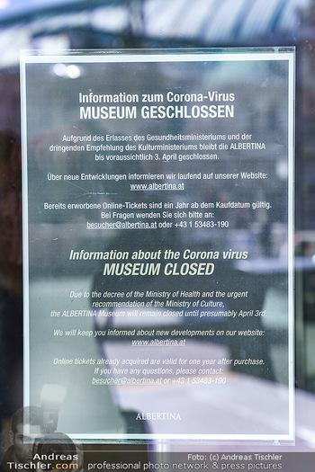 Coronavirus COVID-19 Feautre - Wien - Do 12.03.2020 - Albertina Museum Wien - geschlossen wegen Coronavirus35