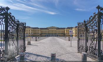Corona Lokalaugenschein - Wien - Mo 16.03.2020 - Schloss Schönbrunn menschenleer Park ausgestorben wegen Coronav4