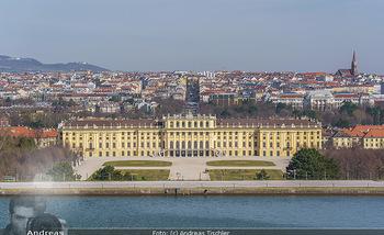 Corona Lokalaugenschein - Wien - Mo 16.03.2020 - Schloss Schönbrunn menschenleer Park ausgestorben wegen Coronav11