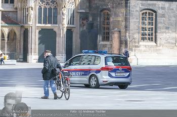 Corona Lokalaugenschein - Wien - Mo 16.03.2020 - Polizeikontrolle in der Wiener Innenstadt, Am Graben, Stephanspl37