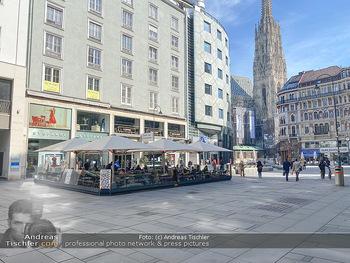 Corona Lokalaugenschein - Wien - Mo 16.03.2020 - Am Graben Innenstadt wie ausgestorben wegen Ausgangssperre gesch76