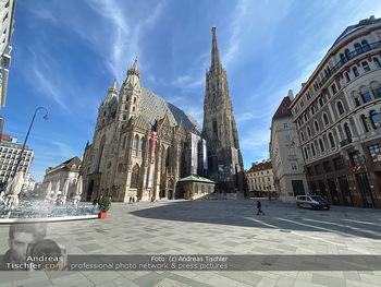 Corona Lokalaugenschein - Wien - Mo 16.03.2020 - Stephansplatz Dom wie ausgestorben wegen Ausgangssperre geschlos91
