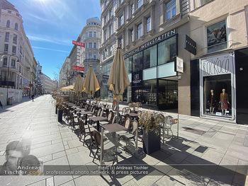 Corona Lokalaugenschein - Wien - Mo 16.03.2020 - Cafehaus am Stephansplatz Innenstadt leere Restaurants wegen Aus93