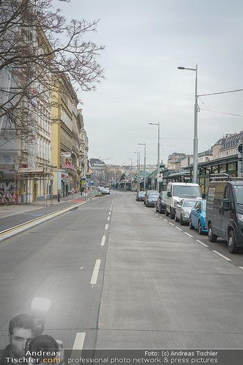 Corona Lokalaugenschein - Wien - Di 17.03.2020 - Kaum Verkehr auf Österreichs Straßen, Linke Rechte Wienzeile o10