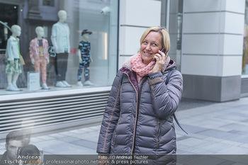 Corona Lokalaugenschein - Wien - Di 17.03.2020 - Birgit FENDERL, angetroffen auf der Kärntnerstraße, hat das Ha18