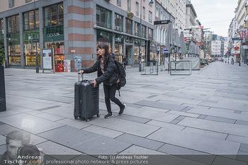 Corona Lokalaugenschein - Wien - Di 17.03.2020 - letzte Touristen verlassen die leere Wiener Innenstadt, Geisters30