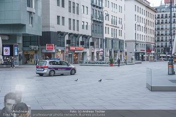 Corona Lokalaugenschein - Wien - Di 17.03.2020 - Polizei patrouilliert, kontrolliert die Ausgangssperre wegen Cor34