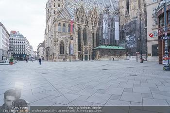 Corona Lokalaugenschein - Wien - Di 17.03.2020 - Stephansplatz Innenstadt menschenleer um die Mittagszeit wegen C35
