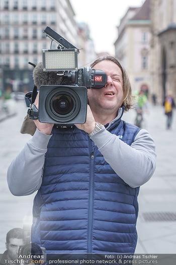 Corona Lokalaugenschein - Wien - Di 17.03.2020 - Pressevertreter, Kameramann, filmen, Berichterstattung, Presse38