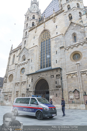 Corona Lokalaugenschein - Wien - Di 17.03.2020 - Polizei patrouilliert kontrolliert Ausgangssperre wegen Coronavi46