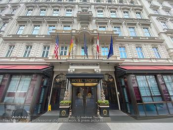 Corona Lokalaugenschein - Wien - Di 17.03.2020 - Hotel Sacher Wien Vienna Haupteingang, Architektur, Frontansicht52