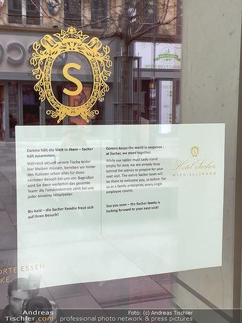Corona Lokalaugenschein - Wien - Di 17.03.2020 - Hotel Sacher Wien Vienna Sacher Eck Touristencafe geschlossen we57