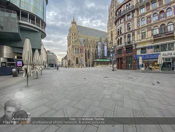 Corona Lokalaugenschein - Wien - Di 17.03.2020 - Stephansplatz Innenstadt menschenleer um die Mittagszeit wegen C58