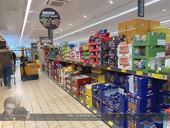 Corona Lokalaugenschein - Wien - Di 17.03.2020 - gut gefüllte Supermärkte Supermarkt Lieferkette, Lebensmittelh83