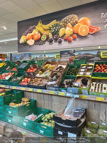 Corona Lokalaugenschein - Wien - Di 17.03.2020 - gut gefüllte Supermärkte Supermarkt Lieferkette, Lebensmittelh85