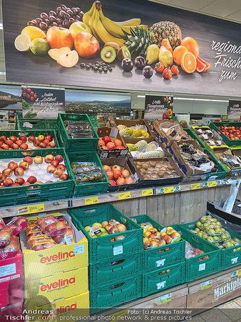 Corona Lokalaugenschein - Wien - Di 17.03.2020 - gut gefüllte Supermärkte Supermarkt Lieferkette, Lebensmittelh86