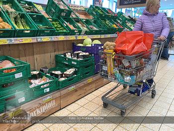 Corona Lokalaugenschein - Wien - Di 17.03.2020 - Hamsterkauf Hamsterkäufe trotz gut gefüllter Supermärkte Supe87